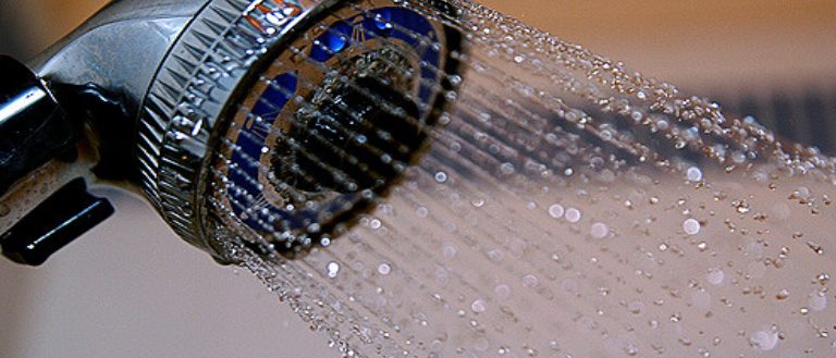 consumo acqua doccia