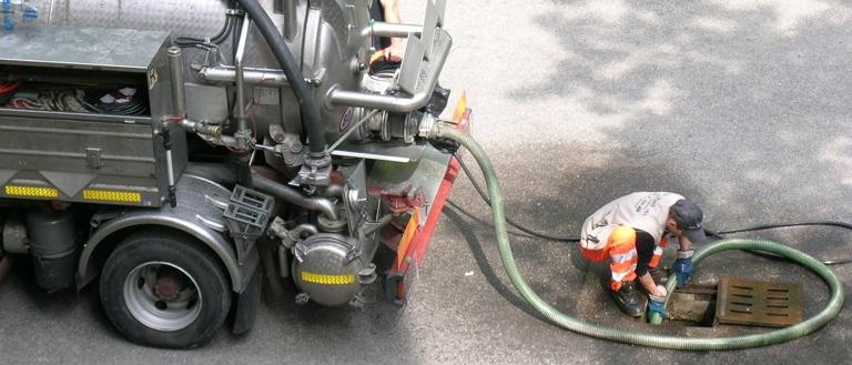 Autospurgo canal jet: l'efficienza nella pulizia di tubi e condotte