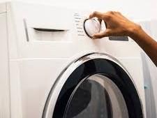Perché la lavatrice perde acqua?