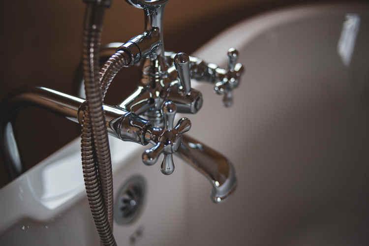 Idraulico a Frascati per installazione vasca