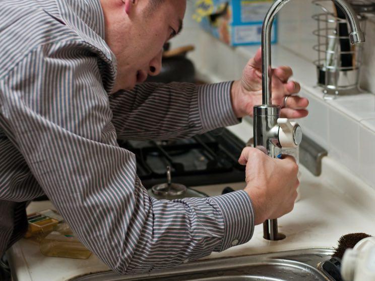 idraulico per riparazione rubinetto ad Anguillara Sabazia